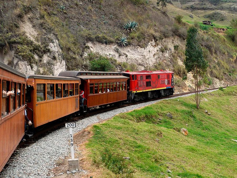 Tren Alausi