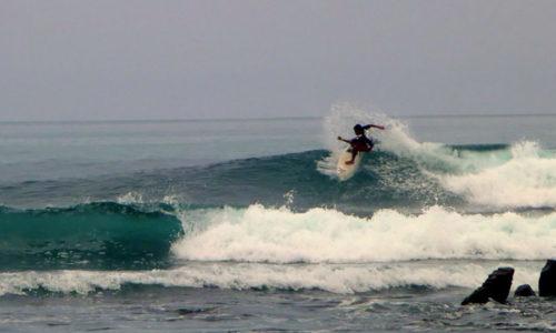 Surfing Montañita