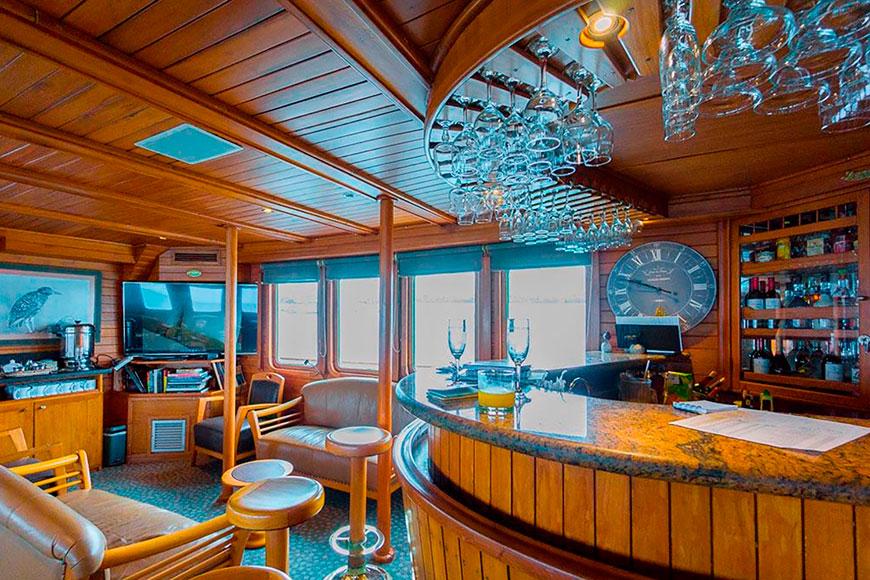 Coral II cruise Galapagos